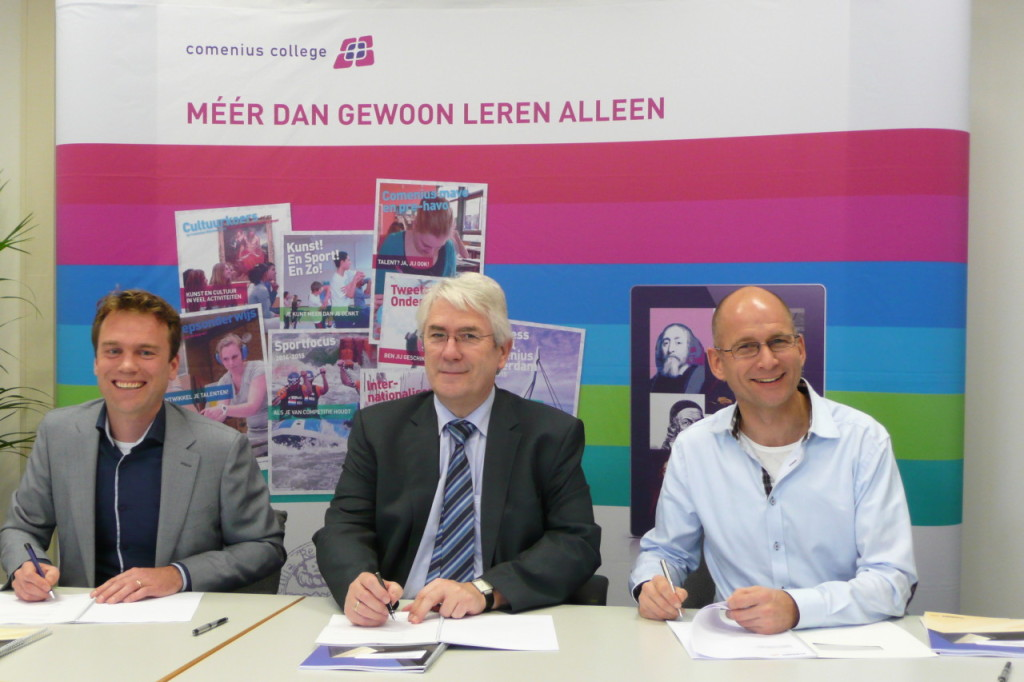 Capelle ad IJssel - Ondertekening aanneemovereenkomst Comenius College